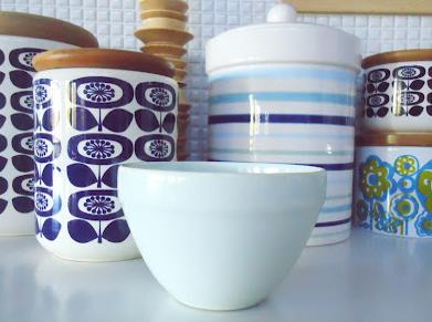 おしゃれ北欧陶器容器