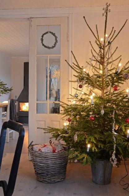 北欧クリスマスツリー飾り付け例