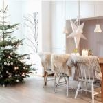 北欧インテリアに合うクリスマスツリーの飾り方