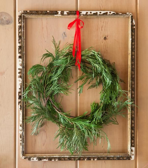 北欧手作りクリスマスリース玄関ドア
