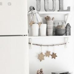 北欧キッチンのクリスマス飾り付け画像