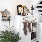 北欧インテリアのクリスマスデコレーション玄関ディスプレイ画像