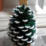 松ぼっくり卓上ミニツリーの作り方 クリスマスクラフト
