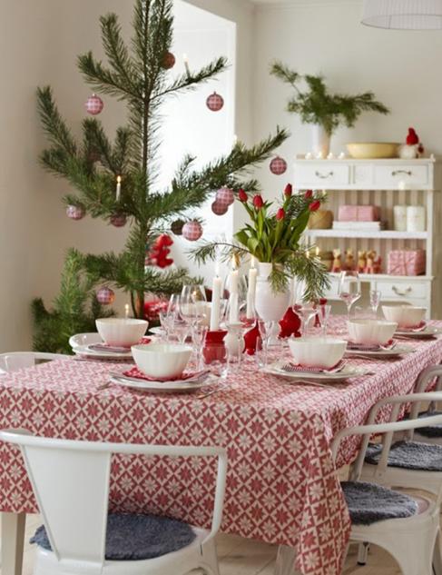 北欧ダイニングテーブルクリスマス飾り