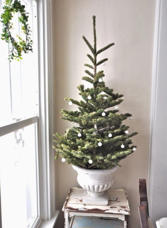 クリスマスツリー北欧の部屋に合う
