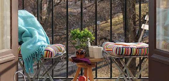 北欧ベランダのディスプレイ画像テラス デッキ バルコニー飾り方
